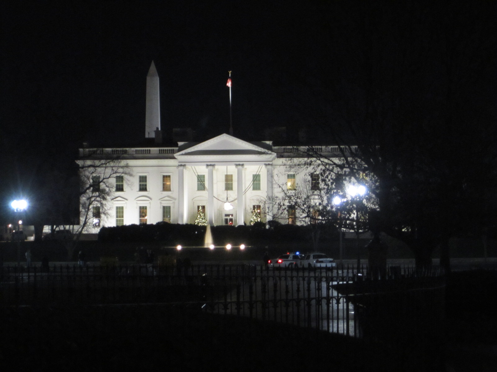 White House At Night Wallpaper